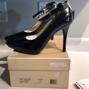 Michael Kors Alani Black Leather Pump 8.5 LikeNew